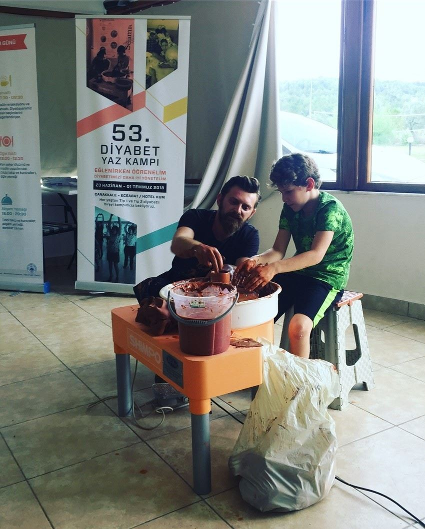 Diyabet Yaz Kampı Katılımcılarının Seramik Keyfi