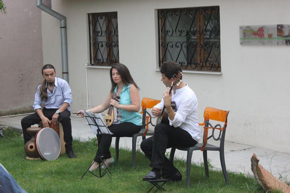 Etnik ve Yöresel Müzikler Seslendirildi