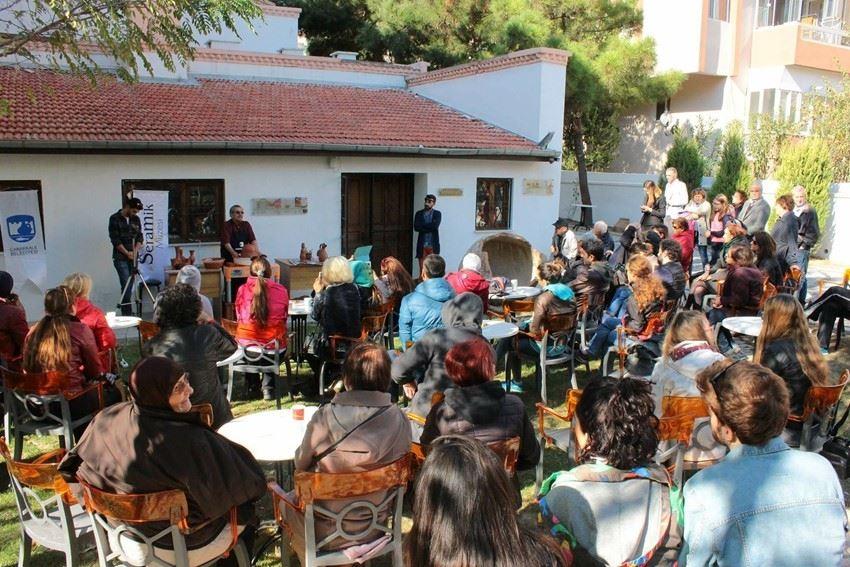 İki Usta Seramik Sanatçısı Çanakkale Seramik Müzesi'nde Buluştu